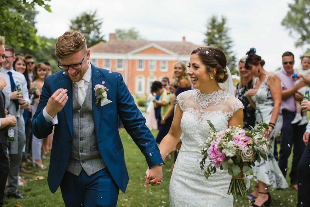 hockering house norfolk bride and groom confetti photo