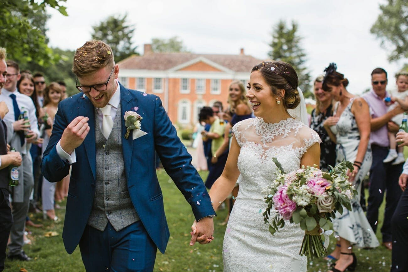 hockering house norfolk bride and groom confetti photo